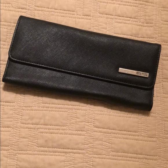 Kenneth Cole Handbags - Black Kenneth Cole Wallet